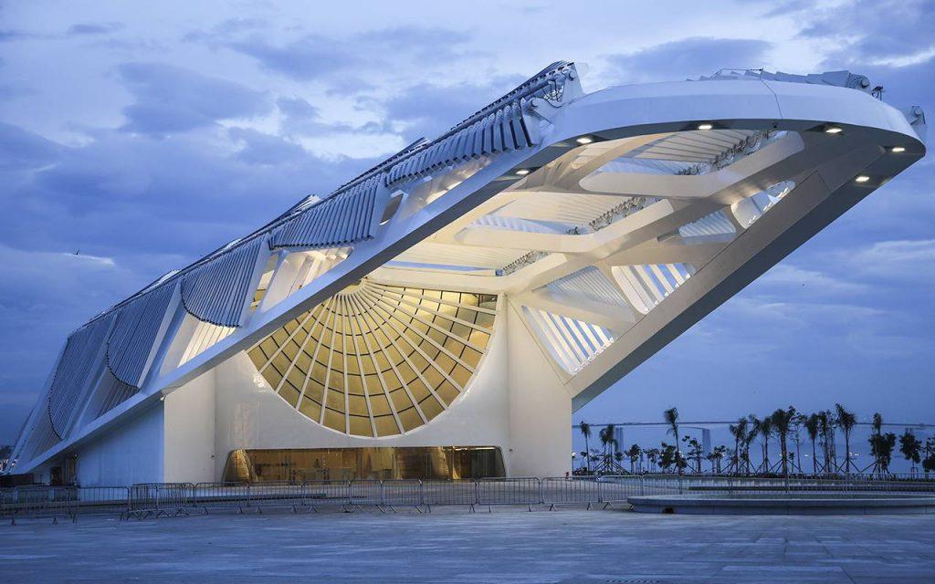 O Museu do Amanhã está localizado na zona portuária do Rio de Janeiro e, em pouco menos de três anos, já é um dos lugares mais visitados da Cidade Maravilhosa.