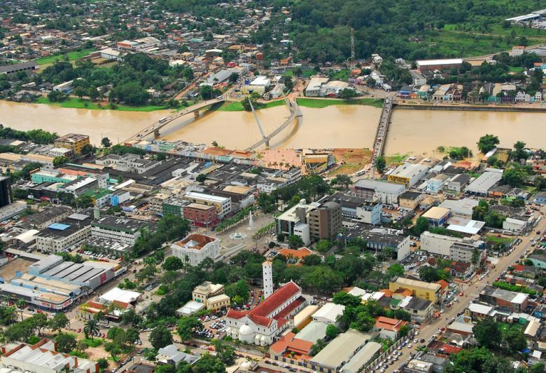 O passado do Acre é marcado por conflitos entre brasileiros e bolivianos, acordos internacionais e proclamações de repúblicas.