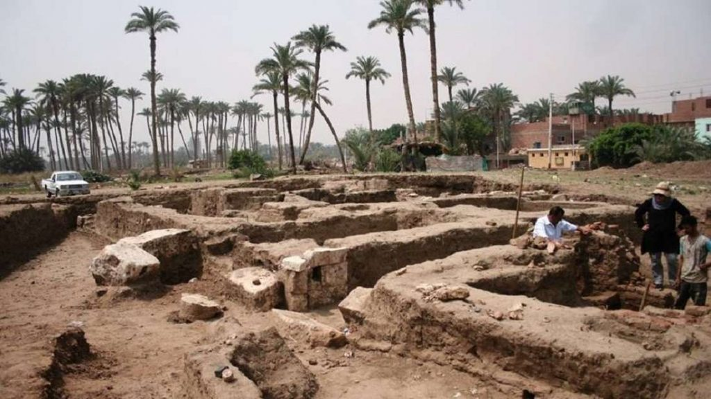 Cidade desaparecida foi encontrada por arqueólogos em Cairo, no Egito.