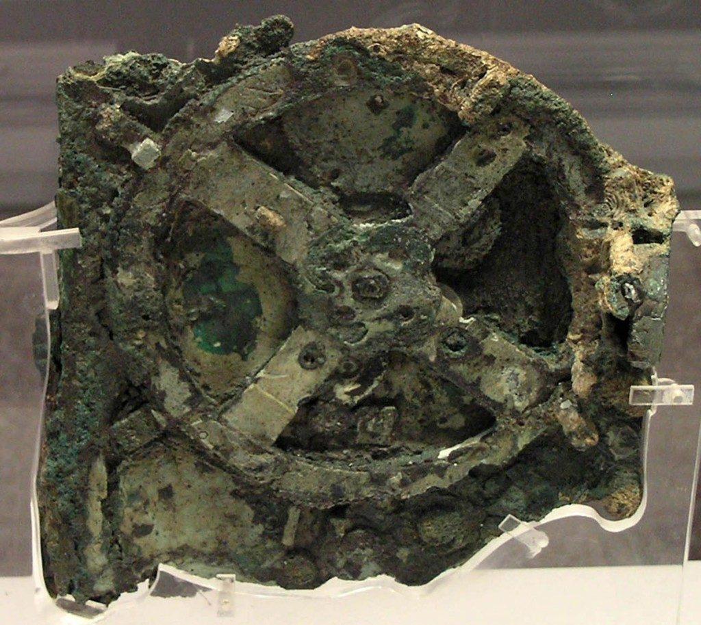 O mecanismo estava a 42 metros de profundidade em um navio romano naufragado em solo grego há mais de dois mil anos.