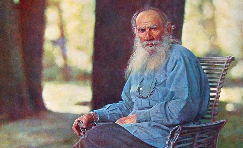 Dentre os maiores escritores de todos os tempos, Tolstói viveu até os 82 anos e, entre suas obras mais conhecidas, estão os romances Guerra e Paz e Anna Karenina, de 1869 e 1877, respectivamente.