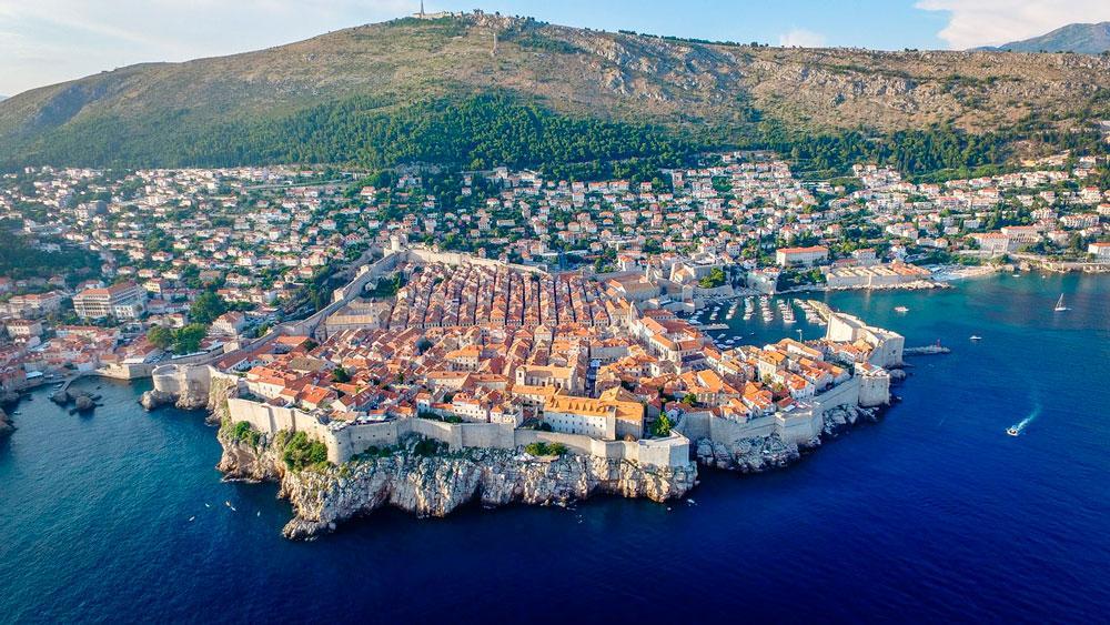 Hoje, Dubrovnik é uma das cidades mais visitadas da Croácia.
