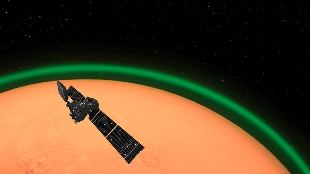Um fenômeno semelhante à aurora boreal foi observado na atmosfera de Marte. Esta é a primeira vez que o evento é registrado fora da Terra e, segundo a Agência Espacial Europeia (ESA, na sigla em inglês), o registro do fenômeno é fundamental para o sucesso de futuras missões humanas no planeta vermelho, além de conhecer melhor a atmosfera marciana. O estudo que relata a observação espacial foi publicado na última segunda-feira, dia 15 de junho, na revista científica Nature Astronomy.