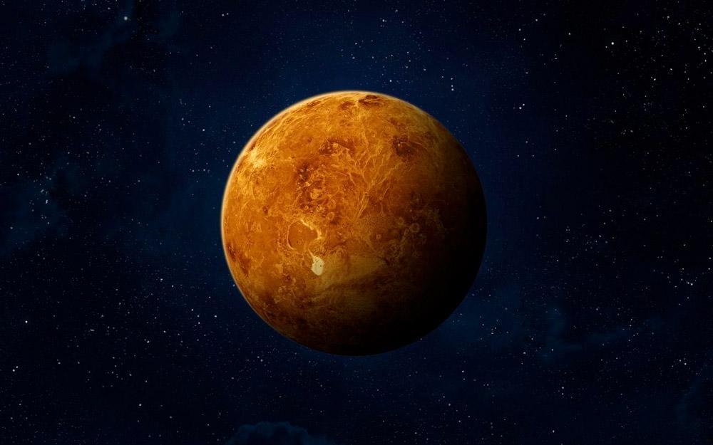 Porém, uma pesquisa divulgada recentemente por um grupo de cientistas garante ter encontrado em Vênus uma pequena molécula, invisível a olha nu, chamada fosfina, um gás extremamente tóxico que é produzido aqui na Terra por micro-organismos que não precisam de oxigênio para sobreviver. Essa descoberta, segundo relatos, indica a existência de vida no planeta mais próximo da Terra.